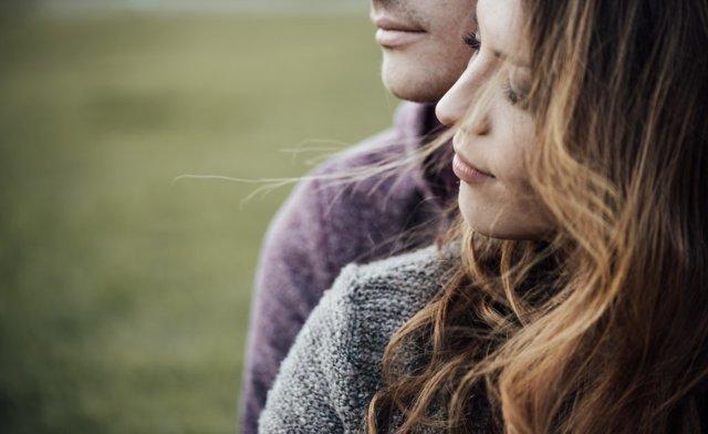 Як зрозуміти, що чоловік фліртує: в листуванні і на побаченні
