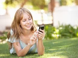 Як записати дівчину в телефоні: найкращі варіанти прізвиськ