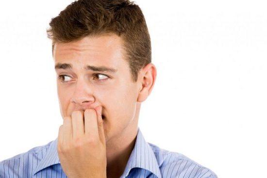 Як зрозуміти, що ти подобаєшся хлопцю: поведінка і ознаки симпатії