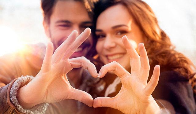 Що подарувати дружині на 30 років: критерії вибору, поради, кращі ідеї
