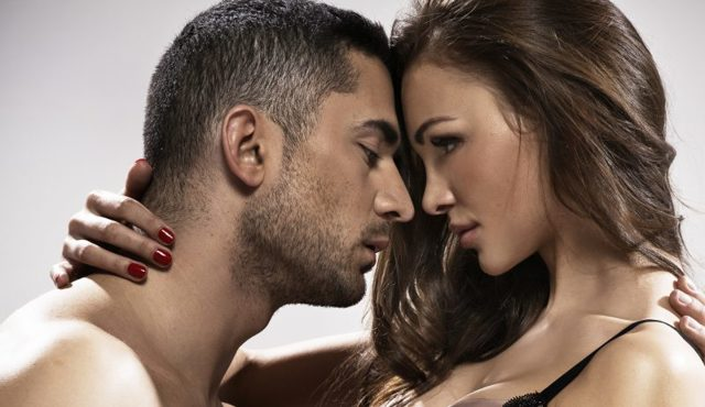Як порушити дівчину: поради сексологів і перевірені методи