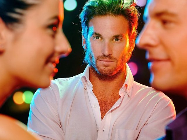 Як змусити ревнувати кохану: перевірені способи, помилки