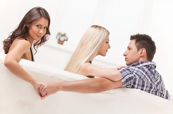 Хлопець повертається після розставання: думки і почуття чоловіків