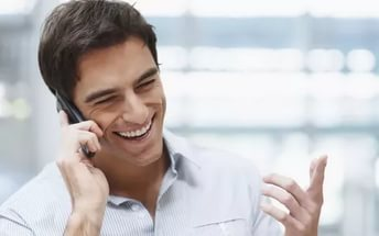 Про що говорити з дівчиною по телефону: приклади тим, поради
