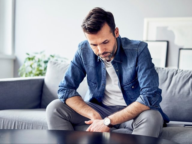 Коханець ревнує до чоловіка: пошук причини і виходу з ситуації