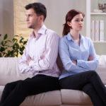 Зрада на роботі: причини, обставини і ознаки зради