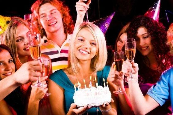 Привітання з днем народження колишній дівчині: добірка ідей