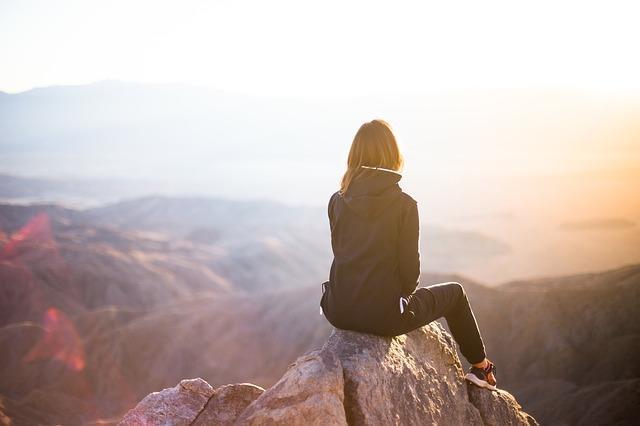 Як пережити важке розставання з коханцем: поради психологів