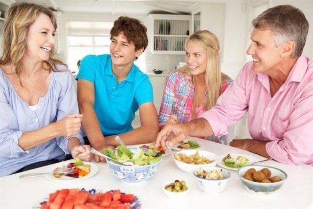 Як познайомити хлопця з батьками: підготовка і ідеї