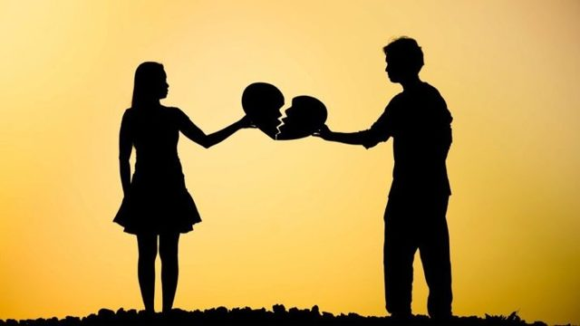 Як пережити розставання з дівчиною: практичні поради психолога