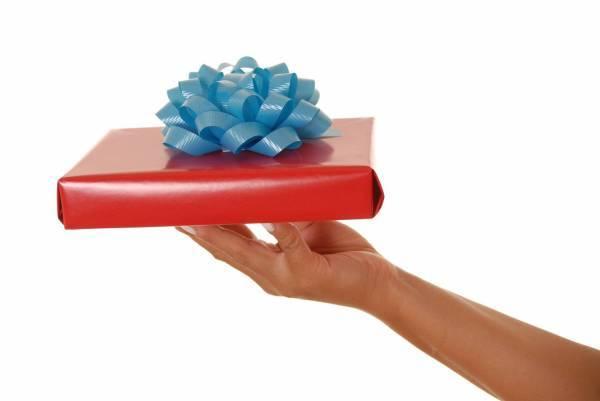 Що подарувати коханця на день народження: добірка свіжих ідей