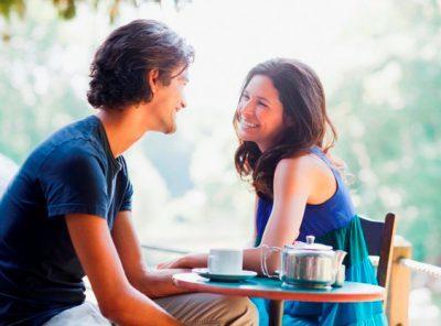 Що можна розповісти про себе хлопцю: принципи спілкування і теми