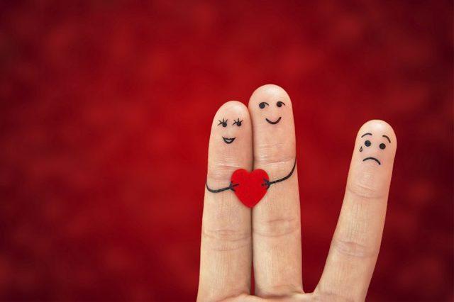 Чому людина ревнує: основні причини, способи впоратися