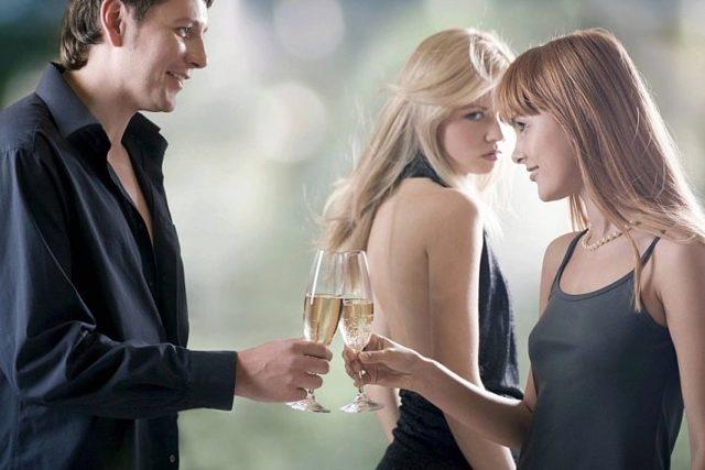 Як змусити ревнувати вподобану дівчину