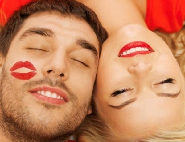 Як цілуватися з мовою: види поцілунку, способи, техніки і поради