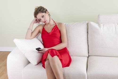 Як себе вести, якщо коханець перестав дзвонити і писати