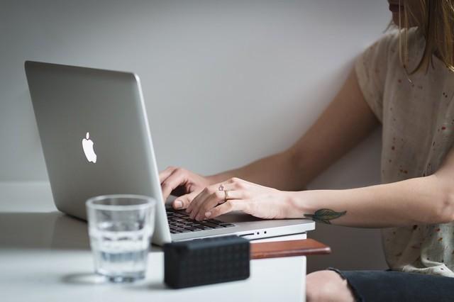 Як сподобатися хлопцю по листуванню: прийоми і поради психологів