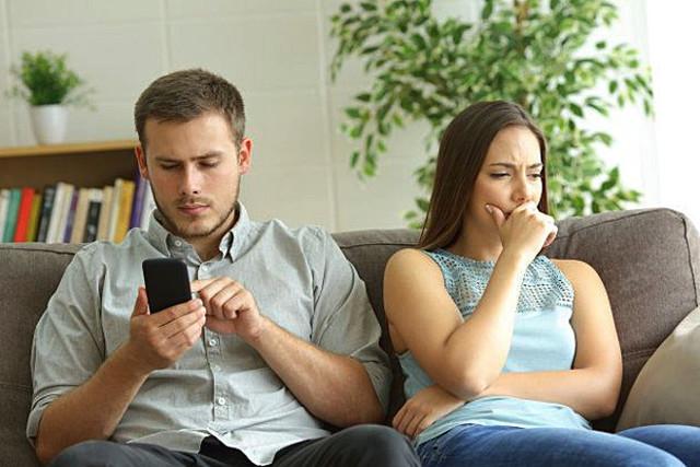 Як перестати ревнувати свого хлопця: що потрібно зробити