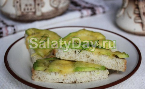 Бутерброди з сиром і авокадо