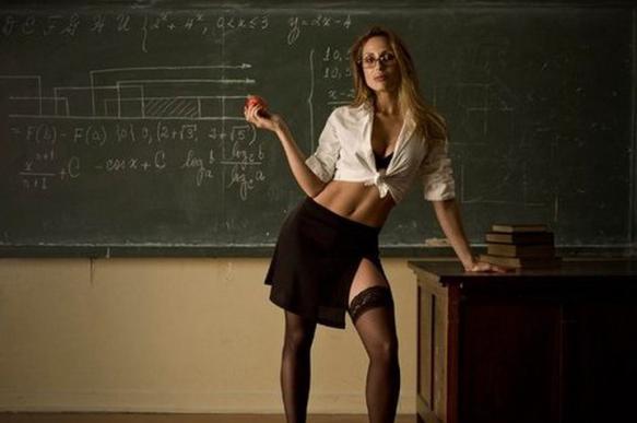 Школярка закохалася в учителя: причини і варіанти розв'язки