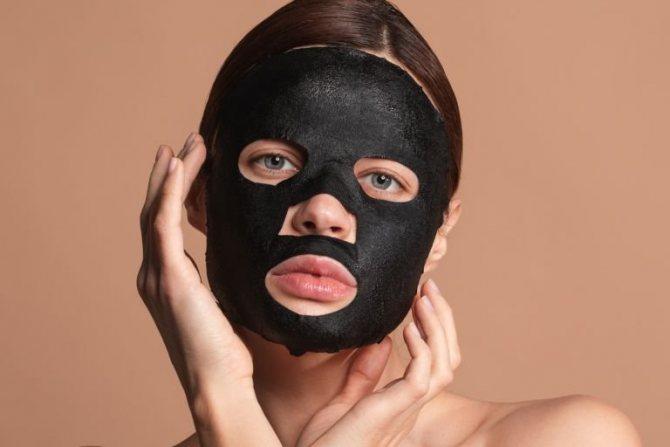 Чорна маска для обличчя від чорних крапок: користь і рейтинг кращих