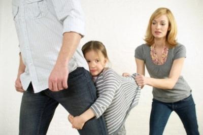 Як сказати дитині про розлучення: що можна і не можна робити батькам