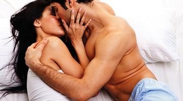 Як натякнути хлопцеві на інтимну близькість: ефективні способи