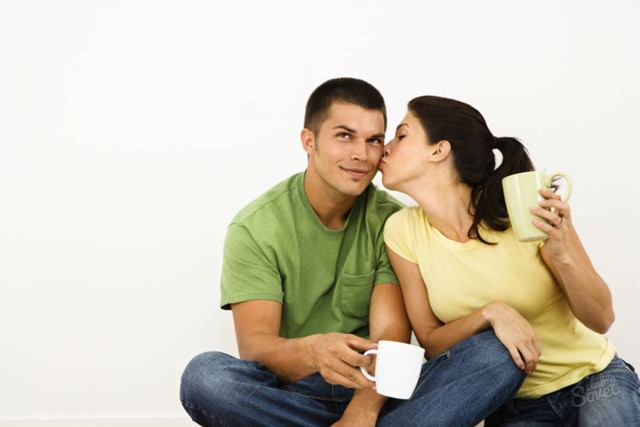 Як привернути увагу чоловіка: добірка способів на всі випадки життя
