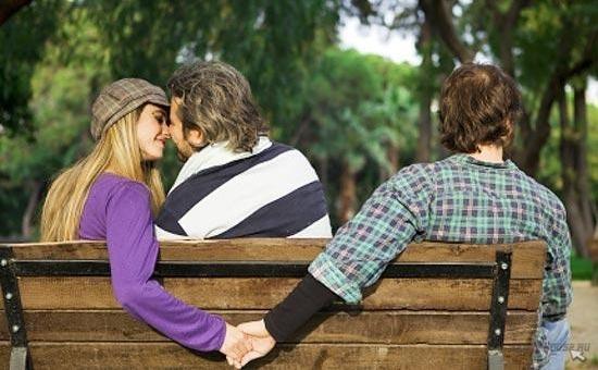 Як спіймати дружину на зраду: чому змінюють жінки і що робити