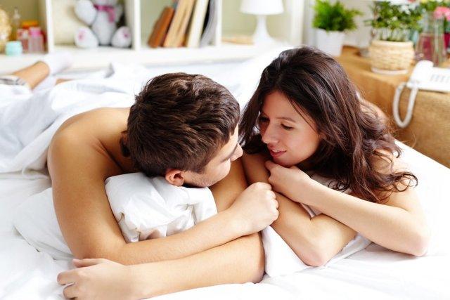 Як поводитися під час сексу: практичні поради жінкам