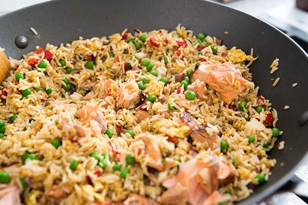 Як правильно відварити рис для гарніру: рецепт з описом, особливості приготування