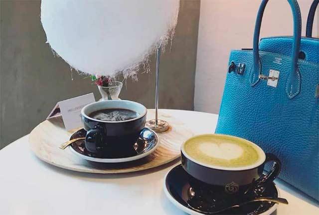 кава з хмаркою