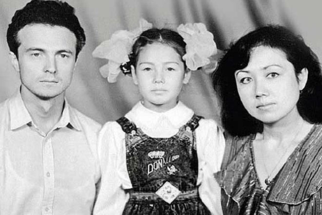 Ляйсан Утяшева з батьками