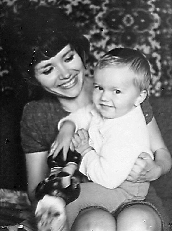 Людмила з маленьким сином Дмитриком