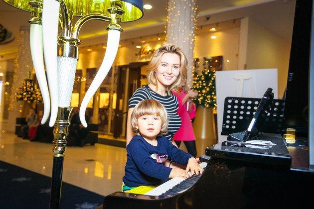 Марія Кожевнікова з сином Іваном