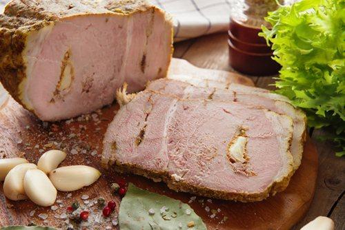 М'ясо в духовці з часником