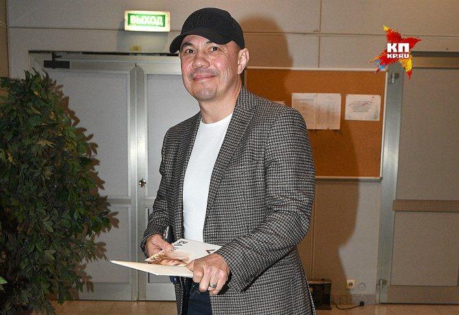Привітати Валерію з 50-річчям прийшов боксер Костя Цзю. Фото: Михайло ФРОЛОВ
