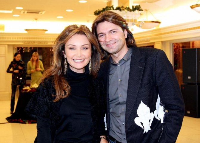 Син Дмитро Маліков з дружиною Оленою