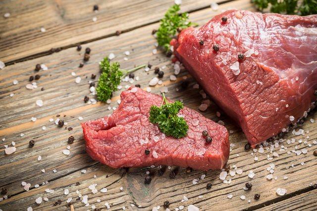 Тільки з якісного м'яса ви приготуєте м'який, ніжний і соковитий гуляш, особливо якщо мова йде про яловичину